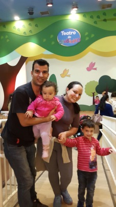 André e Alana, com os pais Alberto e Edilaine